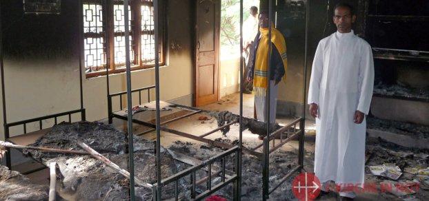 Wieder 6 Kirchen niedergebrannt
